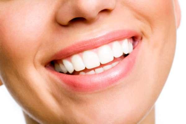 Algunos alimentos son enemigos de la tan deseada sonrisa blanca. Te contamos cuáles son.