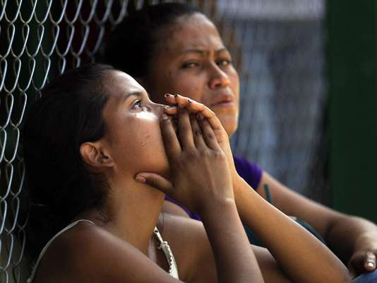 Caracas vive una crisis de violencia carcelaria luego de que se confirmara que 25 personas murieron y 43 resultaron heridas en una riña entre los internos que se disputaban el control de la cárcel central de Yare I, en la zona norte del país.