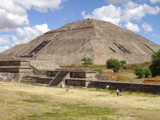 Con la reapertura del complejo arquitectónico Quetzalpapálotl y un nuevo modelo de visita pública, comienza la conmemoración del 25 aniversario de la Zona Arqueológica de Teotihuacan como Patrimonio Mundial.