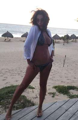 La actriz y conductora de televisión Betty Monroe compartió con sus seguidores de Twitter unas fotografías donde presume sus vacaciones por Puerto Vallarta.