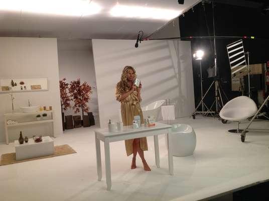 Adriane Galisteu e Leandra Leal estrelam campanha de beleza para o Grupo Class
