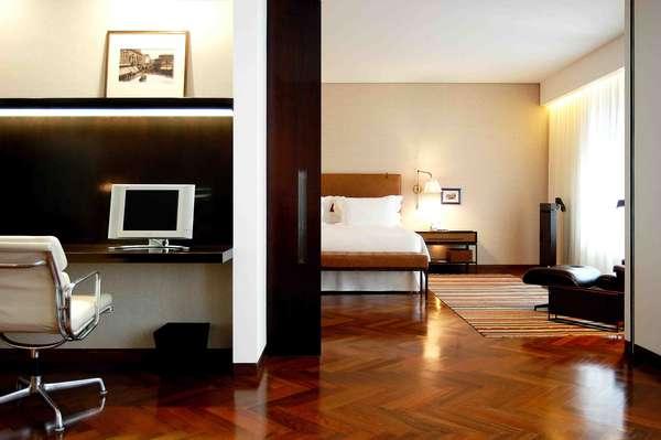 Suíte Um Quarto, Fasano, São Paulo, SP: situado no coração do bairro dos Jardins, área nobre de São Paulo, o Fasano é um dos hotéis mais luxuosos da cidade, com elegância em cada um de seus detalhes. A Suíte Deluxe tem uma área de 115 m² com um quarto espaçoso, sala de estar e área de jantar com mesa de mármore, além de um grande banheiro. O preço das diárias na Suíte de Um Quarto do Fasano de São Paulo é de R$ 3.127