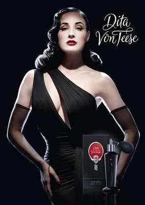 La actriz, modelo y bailarina de Burlesque Dita Von Teese anunció la salida de su perfume a través de las redes sociales.