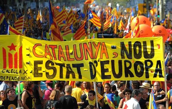 """""""Catalunya, nou Estat d'Europa"""" es la consigna más escuchada durante esta manifestación."""