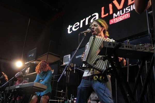 La música de Torreblanca y Juan Cirerol prendieron la fiesta en el Terra Live Muisc Studio.