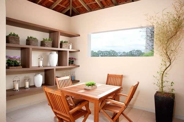 Situada normalmente nos fundos do terreno, a edícula pode se tornar uma casa independente da construção principal