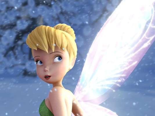 'Tinker Bell y el Secreto de las Hadas' - Adentrándose en un bosque invernal, 'Tink' conoce a otra hada que la lleva a vivir una fantástica aventura junto con todos sus amigos. Así, uno secreto más del mundo de las hadas queda revelado al descubrirse cuál es el poder detrás de las hadas que toda hada posee.