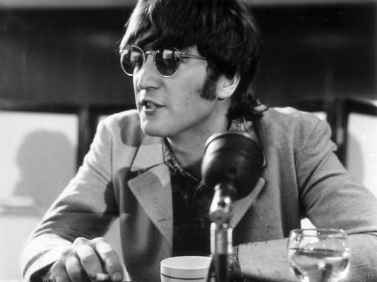 British music magazine NME asked their readers who they thought where the 10 music icons of the last 60 years. John Lennon took the number one spot, now let's see who else is in his company.
