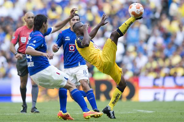 Next Saturday, in Estadio Azul at 18:00 EST, Cruz Azul and America will face off in the premier matchup of the Apertura 2012 week 9.
