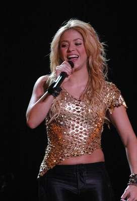 Ahora que Shakira pasará a ingresar el club de las mamás cantantes, al confirmar, mediante un comunicado colgado en su página web, que efectivamente está esperando un bebé, seguramente a medida que vaya avanzando su embarazo deleitará al público exhibiendo muy orgullosa su pancita, mientras llega ese momento quisimos recordar algunas estrellas que han brillado sobre el escenario estando embarazadas. Descubre aquí cuál de ellas luce mejor.