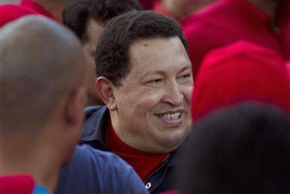 Miles de personas marcharon este sábado en Caracas a favor de la reelección del presidente venezolano Hugo Chávez en los comicios de octubre y para que continúen los planes sociales del gobierno, una de las principales banderas del candidato oficialista.