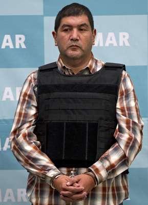 La Secretaría de Marina (semar) presentó a Iván Velázquez Caballero, alias Z-50, L-50 o El Talibán, quien es señalado como uno de los principales líderes del Cártel de los Zetas.