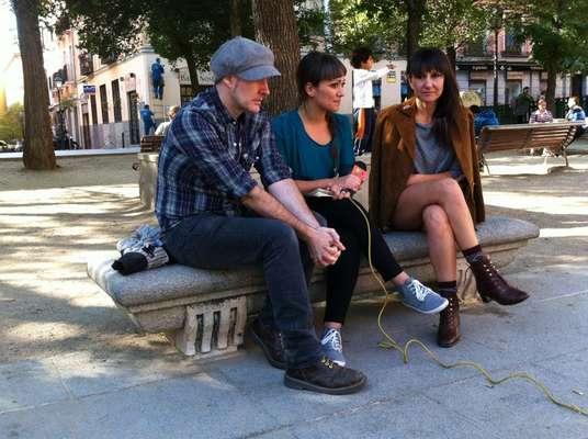 Amaral charla con Terra en directo desde la Plaza del Dos de Mayo de Madrid.