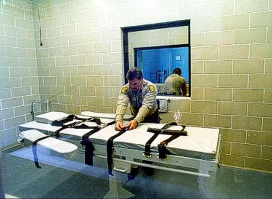 """Alemania, Austria, Francia, Italia, Liechtenstein y Suiza lanzaron a finales del 2012un llamamiento en defensa de la abolición de la pena de muerte en el mundo, al considerar que esta práctica """"no tiene justificación alguna en el siglo veintiuno"""" y contradice los valores básicos de los seis países europeos."""
