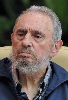La ausencia pública del ex presidente cubano Fidel Castro vuelve a causar suspicacia con respecto a su estado de salud. Que estaba mal de salud, que había fallecido, que estaba en coma... Rumores vienen y van, pero lo cierto es que al líder no se le ha visto públicamente desde el pasado mes de marzo, aunque ayer, el lider divulgó una carta de su puño y letra.