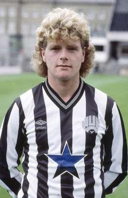 Paul John Gascoigne debutó en el Newcastle en 1985.