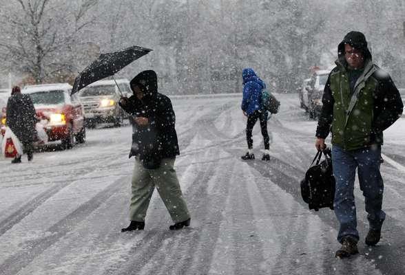 Una nueva tormenta generó vientos, lluvia, nevadas y la amenaza de inundaciones en varias regiones del noreste de Estados Unidos que empezaban a recuperarse de la supertormenta Sandy.