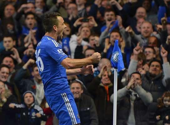 John Terry celebró el gol que le daba la delantera al Chelsea.