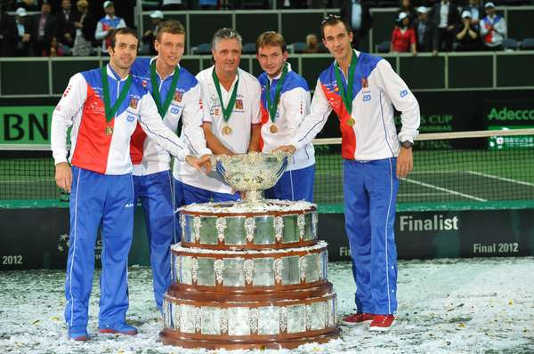 Czech Republic's Davis Cup Team (L-R) Radek Stepanek, Tomas Berdych, captain Jaroslav Navratil, Ivo Minar and Lukas Rosol pose with the trophy after the International Tennis Federation Davis Cup final match between Czech Republic and Spain on November 18, 2012 in Prague. Czech Rep. defeated Spain 3-2.