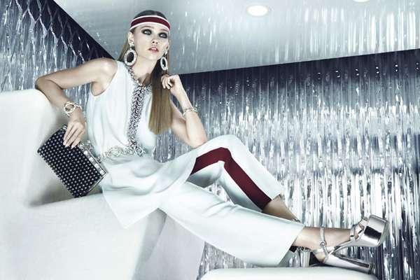 A top russa Sasha Pivovarova foi escolhida para estrelar a campanha da linha Prada Jewels