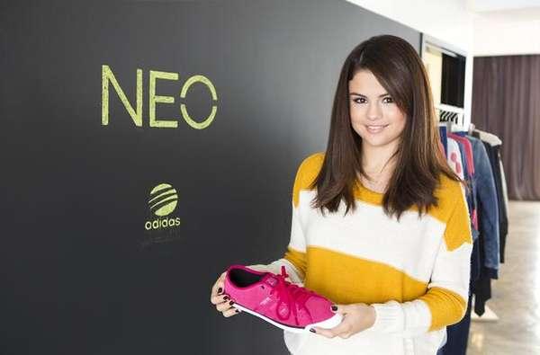"""A partir de 2013 veremos por todos lados la cara de Selena Gomez, aunque esta vez no es por Justin Bieber sino porque acaba de convertirse en imagen y diseñadora de la marca Adidas. Está increíble porque la cantante está considerada por la marca como un ícono de estilo. Es decir, que muchas personas quieren vestir y lucir como ella. La también actriz está feliz y así lo dijo a través de un comunicado: """"Estoy disfrutando estar involucrada en el proceso de diseño y Adidas NEO me está dejando divertirme con esto. Puedo usar las prendas primero y dar mi opinión. No puedo esperar a ver los resultados de la nueva colección"""". Al parecer en esta nueva aventura en el mundo del diseño también estarán involucrados sus fans, aunque todavía no se han dado a conocer los detalles."""
