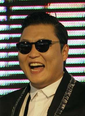O cantor Psy fará um show na cidade nesta quarta-feira (27)