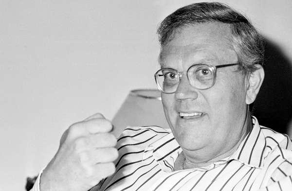 Beting foi um dos responsáveis pela introdução do jornalismo econômico no rádio, ainda nos anos 1970, e na televisão, na década seguinte. Além disso, lançou livros como Na Prática a Teoria é Outra e Os Juros Subversivos, procurando, assim, clarear o entendimento do tema para leigos