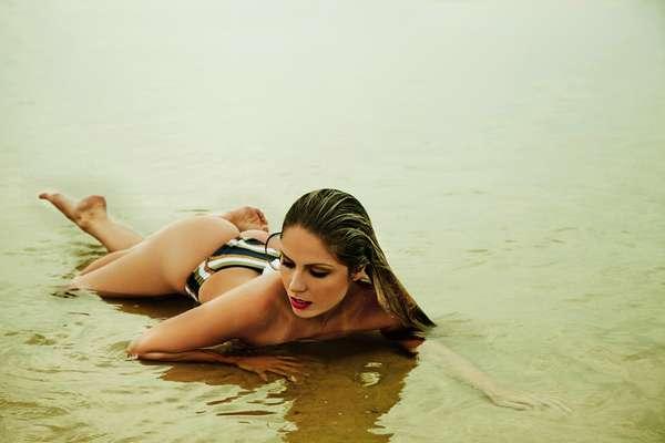 Ex-BBB Renata fez um ensaio sensual para a revista 'VIP' de janeiro