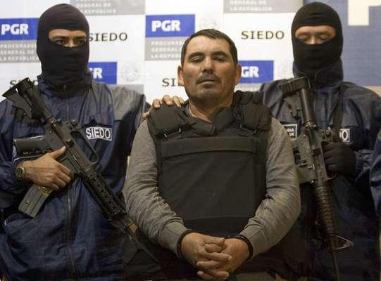 Más de 100 cadáveres fueron hallados en toneles llenos de ácido en una de las propiedades del temible líder narco Santiago Meza, conocido como 'el Pozolero' por su manera de terminar con sus víctimas. El narcotraficante se encuentra apresado desde 2009.