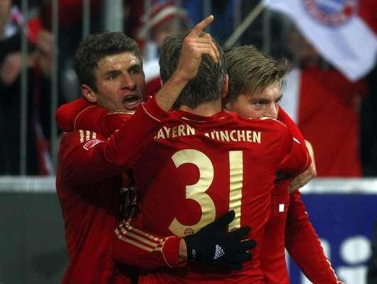 Bayern de Munique e Borussia Dortmund ficaram no empate por 1 a 1 neste sábado, em partida válida pela 15ª rodada do Campeonato Alemão