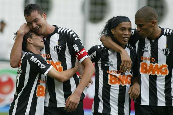 Com vitória de virada por 3 a 2 sobre o Cruzeiro neste domingo, o Atlético-MG fechou o Campeonato Brasileiro da forma esperada: vice-campeão e dono da vaga direta à Copa Libertadores