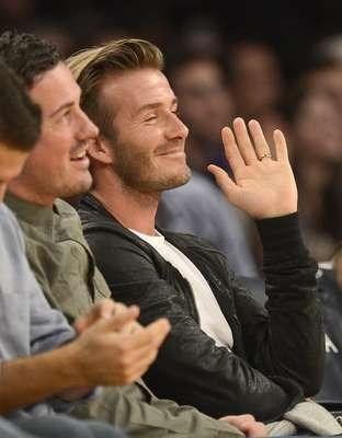 Recém-saído do Los Angeles Galaxay, o meia inglês David Beckham foi assistir à partida entre Los Angeles Lakers e Orlando Magic
