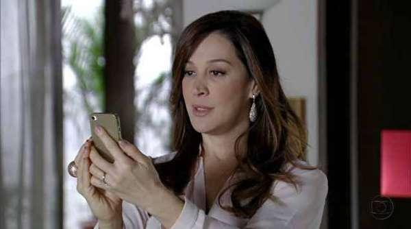 As unhas da personagem Lívia (Cláudia Raia), de Salve Jorge, aparecem em primeiro lugar no ranking dos mais pedidos