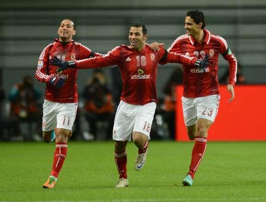 El equipo egipcio Al Ahly será el rival del Corinthians brasileño en semifinales del Mundial de Clubes tras vencer al Sanfrecce Hiroshima por 2-1.