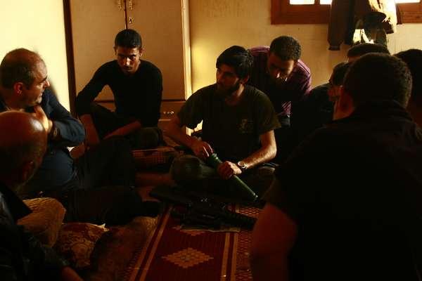 """""""No soy un mercenario"""" asegura Luis Munar, un exoficial del Ejército del Aire que dejó a su familia y a la crisis económica que golpea España para viajar a Siria y participar en el entrenamiento de los insurrectos."""