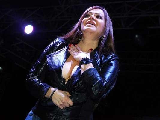 """Si un concierto pasó a la historia y será recordado por siempre es la última aparición de Jenni Rivera en un escenario, el 8 de diciembre de 2012. En el espectáculo, llevado a cabo en La Arena Monterrey de Nuevo León, México, la """"La Diva de la Banda"""" cantó con el alma por más de tres horas ante un foro abarrotado de gente."""