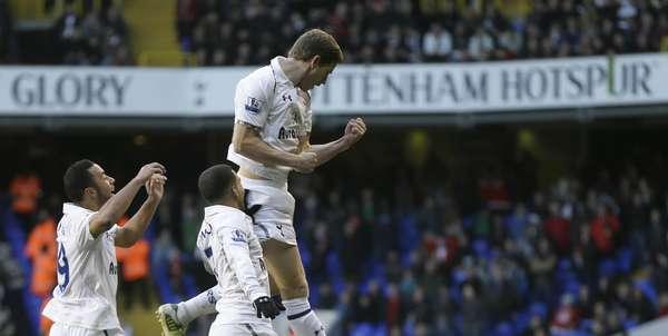 Defensor belga Vertonghen fez o único gol da vitória do Tottenham sobre o Swansea, neste domingo, em Londres