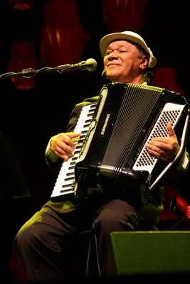 Aos 72 anos, morreu nesta terça-feira (23), o músico Dominguinhos, veja fotos da vida e carreira do compositor brasileiro