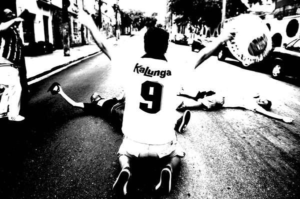 A torcida do Corinthians fez festa como nunca em 2012, ano em que conquistou a Copa Libertadores da América pela primeira vez e ainda faturou o bicampeonato mundial; reveja, em fotos exclusivas, a temporada vitoriosa dos corintianos