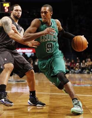 El base de los Celtics Rajon Rondo lideró el ataque de los de Boston en el Barclays Center de Brooklyn, donde se impusieron 76-93 a los Nets, uno de los grandes equipos de la Conferencia Este.