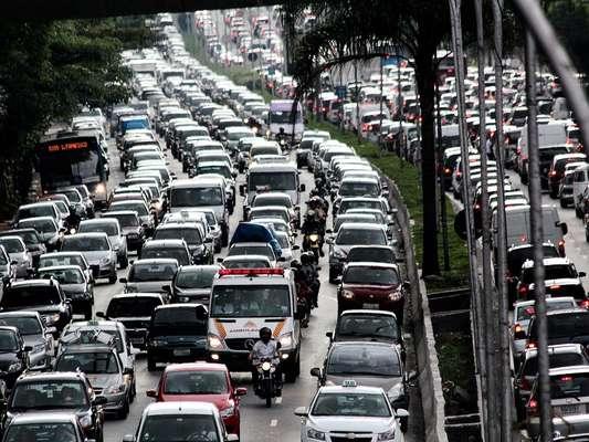 A mobilidade urbana é considerada um dos principais problemas pelos paulistanos