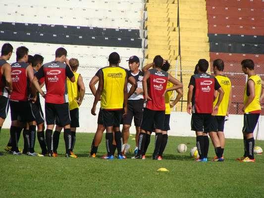 Paulista de Jundiaí treina desde 4 de dezembro e mira estreia contra o Corinthians em 2013