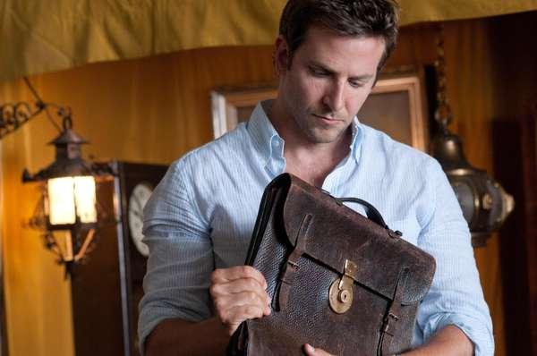 10° The Words - Mesmo com Bradley Cooper como protagonista, a CNN classificou The Words como um filme pretencioso e de roteiro previsível, envolvendo três romancistas e um manuscrito perdido