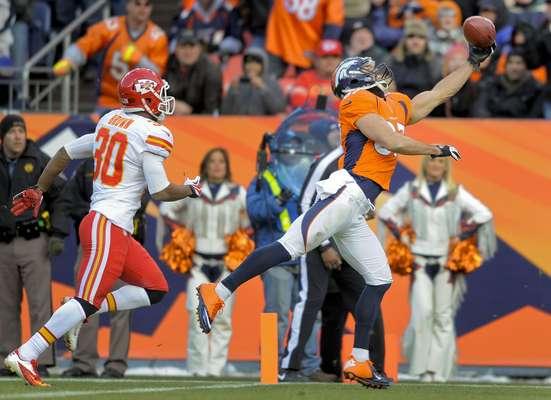 Paliza de Broncos 38-3 a Jefes de Kansas City.