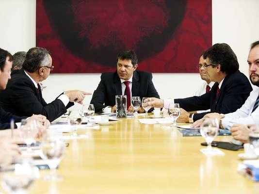Haddad discutiu com seu secretariado por cerca de quatro horas a respeito dos planos prioritários da prefeitura