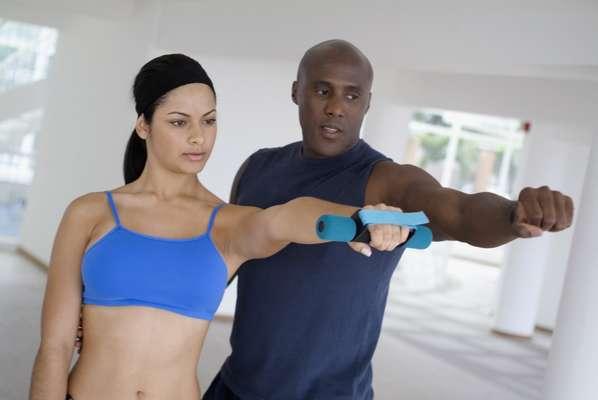 Destaque aos profissionais da área fitness: o American College of Sports Medicine já apontou como uma tendência dos últimos anos os prós da certificação profissional nessa área e o número de treinadores certificados continua a crescer. A novidade é que muitos deles estão abandonando as academias e apostando no próprio negócio