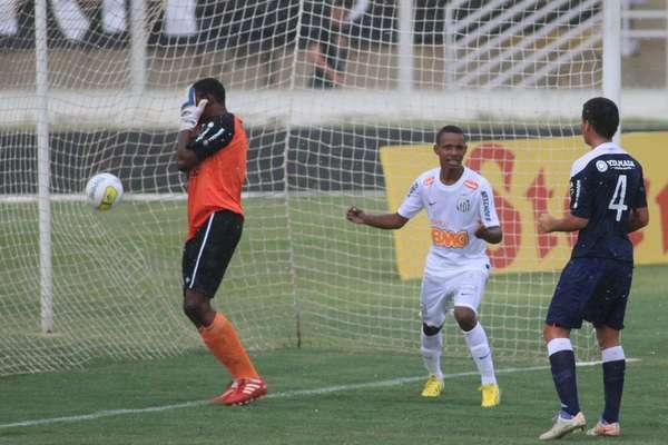 4 de janeiroJogando no Estádio Alfredo Chiavegato, em Jaguariúna, pelo Grupo V, o Santos bateu o Remo por 3 a 0