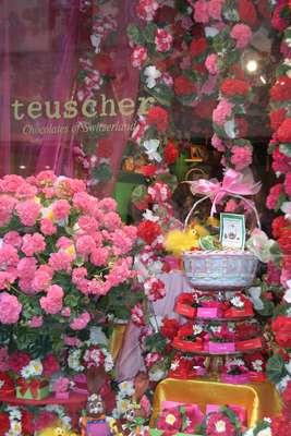 Teuscher, Zurique, Suíça: a história chocolateira da Teuscher começou há mais de 70 anos, num pequeno vilarejo no coração dos Alpes suíços. Hoje, a casa representa o que há de melhor na produção deste tradicional produto da Suíça, com ingredientes de primeira qualidade e um resultado que fascina os amantes do bom chocolate