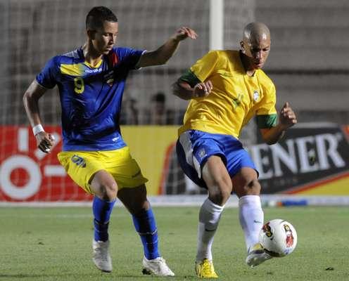 Em sua estreia pelo Campeonato Sul-Americano Sub-20 de 2013, na Argentina, Brasil vacila e fica no 1 a 1 com o Equador