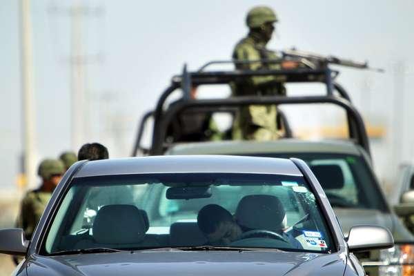 """Tras la salida del poder de Felipe Calderón muchos cuestionan su llamada """"Guerra contra el narco"""" que acabó con la vida de alrededor de unas 70,000 personas."""